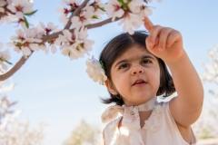 عکاسی کودک در بهار