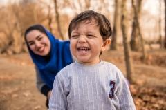 عکاسی از کودک و مادر در فضای باز