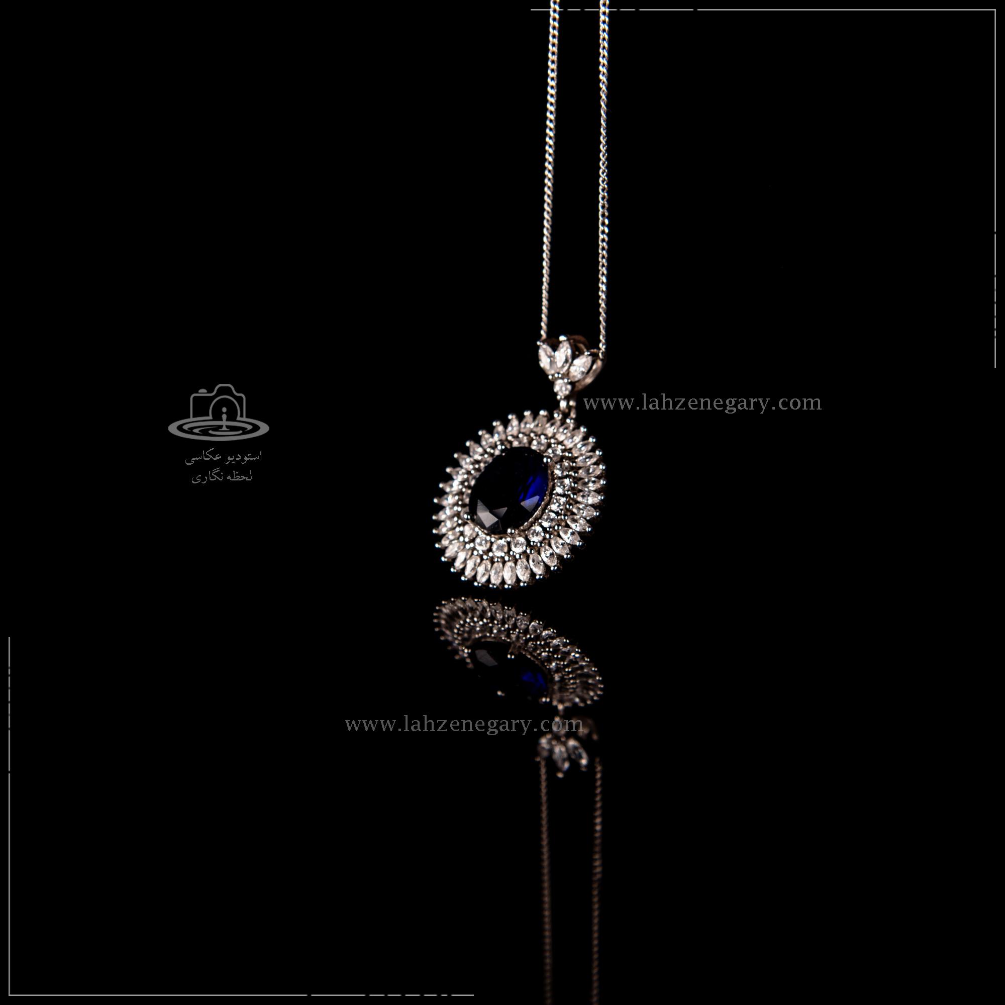 عکاسی از جواهرات با بک گراند ساده